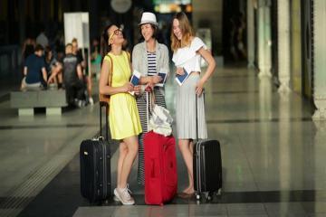 """Tìm chỗ để hành lý xách tay trên máy bay chỉ là """"chuyện nhỏ"""" với 4 mẹo sau"""