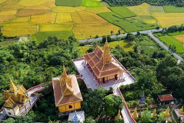 Chùa Tà Pạ An Giang - ngôi chùa Khmer trên núi được làm từđá granit