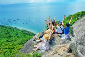 Không phải Nam Du, đảo Hòn Sơn Kiên Giang mới là điểm dừng chân đáng đi mùa hè này