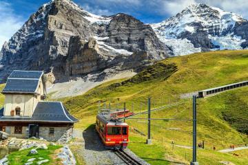 """Những điểm check in Thụy Sĩ sốt xình xịch trong """"Hạ cánh nơi anh"""""""