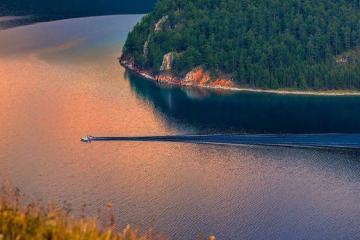 Chìm trong vẻ đẹp của hồ Khovsgol ở Mông Cổ