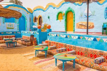 Một ốc đảo rực rỡ trên sa mạc Ai Cập: Ngôi làng Nubian như biến mộng thành thật