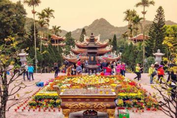 Hội chùa Hương và các lễ hội tháng Giêng được mong chờ nhất