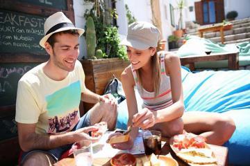 'Nằm lòng' bí quyết giữ gìn sức khỏe toàn diện trong chuyến du lịch