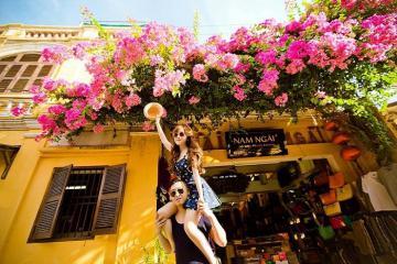 Muôn kiểu chụp hình 'tình bể bình' dành cho cặp đôi đam mê du lịch