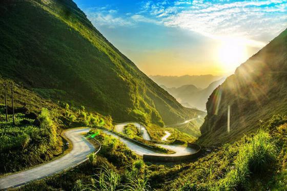 Cảm nhận hơi thở của 'nàng thơ núi rừng' tại 6 điểm du lịch Hà Giang đẹp nhất