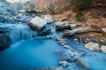 Cận cảnh 10 suối nước nóng tự nhiên ảo diệu nhất nước Mỹ