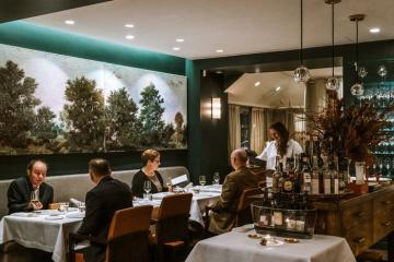 Top 5 nhà hàng không nên bỏ lỡ khi du lịch Paris, theo nhà phê bình ẩm thực nổi tiếng