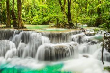 Đắm mình trong vẻ đẹp thần tiên của thác Erawan 7 tầng ở Thái Lan