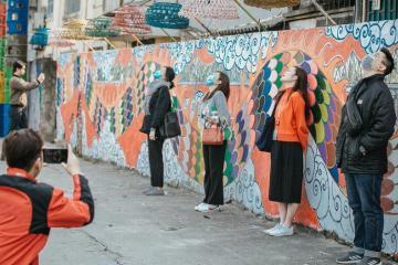 Bãi rác Phúc Tân Hà Nội bỗng chốc được 'hô biến' thành con đường nghệ thuật độc lạ