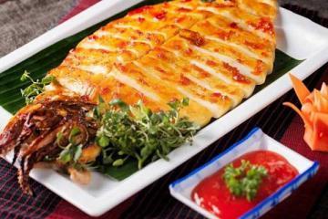 Những món đặc sản Quảng Ninh: Đắt xắt ra miếng