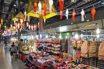 Chợ đêm Chiang Rai – thiên đường mua sắm đầy sôi động của xứ Chùa Vàng