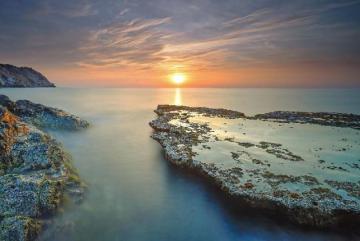 Ngắm bình minh tuyệt đẹp ở Hang Rái Ninh Thuận