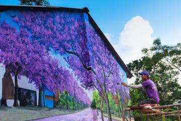 2 ngôi làng bích họa 3D Quảng Ngãi phát sáng lung linh trong đêm