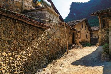 Khám phá vẻ đẹp độc đáo làng đá cổ Khuổi Kỵ Cao Bằng