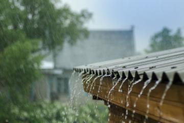 Nước hoa Ấn Độ phảng phất mùi mưa