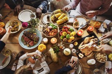 6 cách để bảo vệ bản thân khỏi virus corona khi đi ăn ngoài