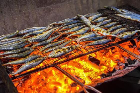 Nức mũi với món cá trích nướng đầu mùa xứ Nghệ