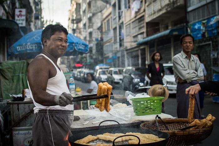 5 món ăn sáng đường phố ngon nhất Yangon Myanmar
