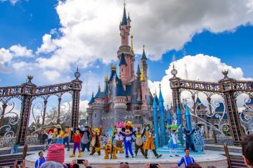 'Nơi hạnh phúc nhất trên Trái đất' Disneyland càng vui hơn với người ăn chay