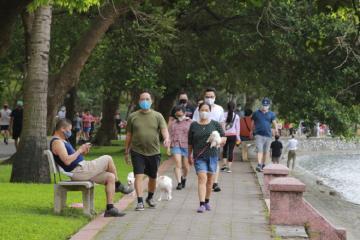 Từ mai, Hà Nội xử phạt người ra đường, trừ những trường hợp này