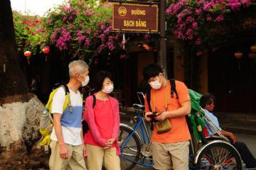 Việt Nam gia hạn thị thực cho du khách quốc tế không thể về nước vì dịch Covid-19