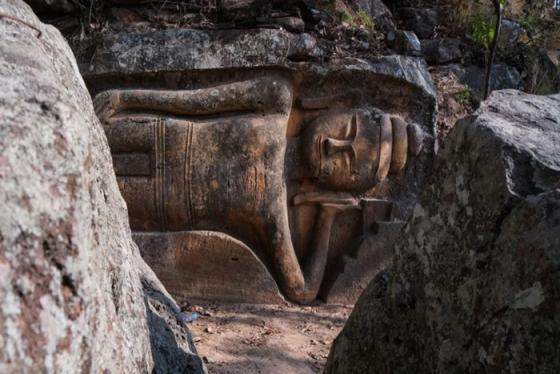 Tượng Đức Phật nằm cổ xưa dài 6m quý hiếm bậc nhất xuất hiện ở Campuchia