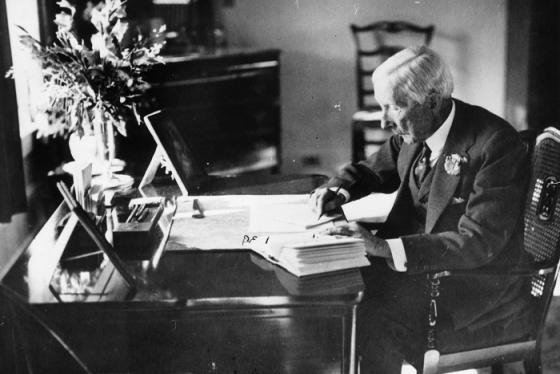 Ứng phó Covid-19: Học cách huyền thoại Rockefeller Biến 'nguy' thành 'cơ', tận dụng khủng hoảng để tiến lên
