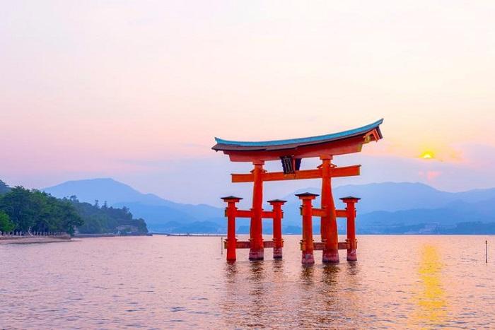 Thị trấn Miyajima của Nhật là một trong các thị trấn bình yên nhất thế giới