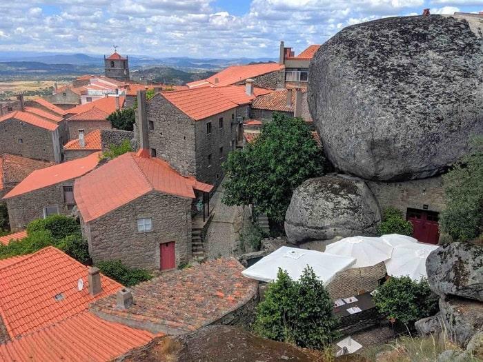 Thị trấn Monsanto, thị trấn đá cũng được mệnh danh là một trong những thị trấn bình yên nhất thế giới