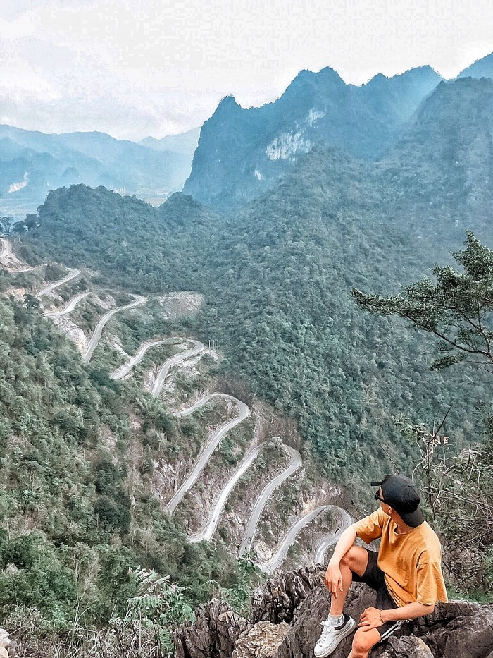 Vẻ đẹp hùng vĩ, hiểm trở của đèo Mẻ Pia ở Cao Bằng