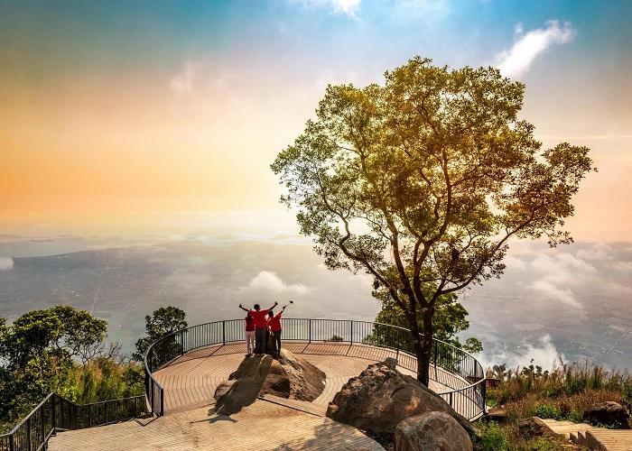 điểm sống ảo trên núi Bà Đen