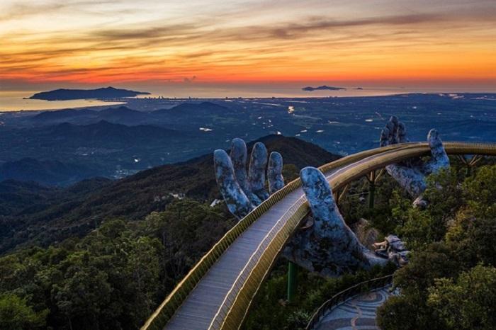Du lịch Việt Nam thăng hạng: Công trình Cầu Vàng thuộc Sun World Ba Na Hills xuất sắc dẫn đầu Kỳ quan mới của thế giới theo bình chọn của tờ Daily Mail (Anh)