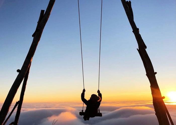 Ngắm biển mây, đón bình minh trên đỉnh núi Muối miền Tây Bắc