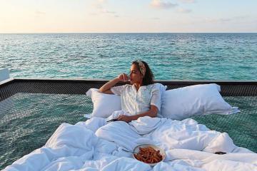400 usd và 1 đêm để ngủ giữa đại dương, ngắm bình minh ở Maldives