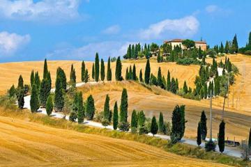Một ngày khám phá thị trấn cổ Volterra nước Ý