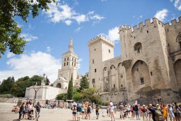 Avignon - thành phố nghệ thuật của nước Pháp
