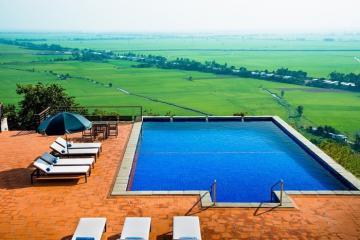 Choáng ngợp với hồ bơi ngoài trời đẹp nhất ở An Giang