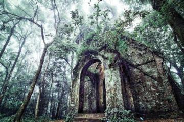 Lạnh gáy với những địa điểm kỳ bí hút khách của Việt Nam