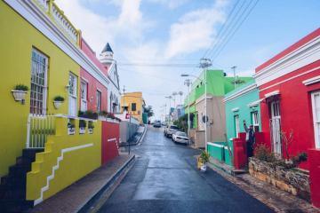 Có một thị trấn rực rỡ sắc màu như cổ tích ở Nam Phi mang tên Bo Kaap