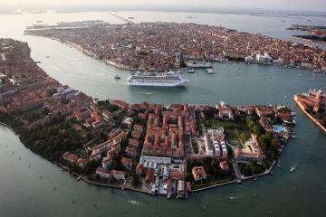 Venice sẽ cấm tàu du lịch, siêu du thuyền vào thành phố