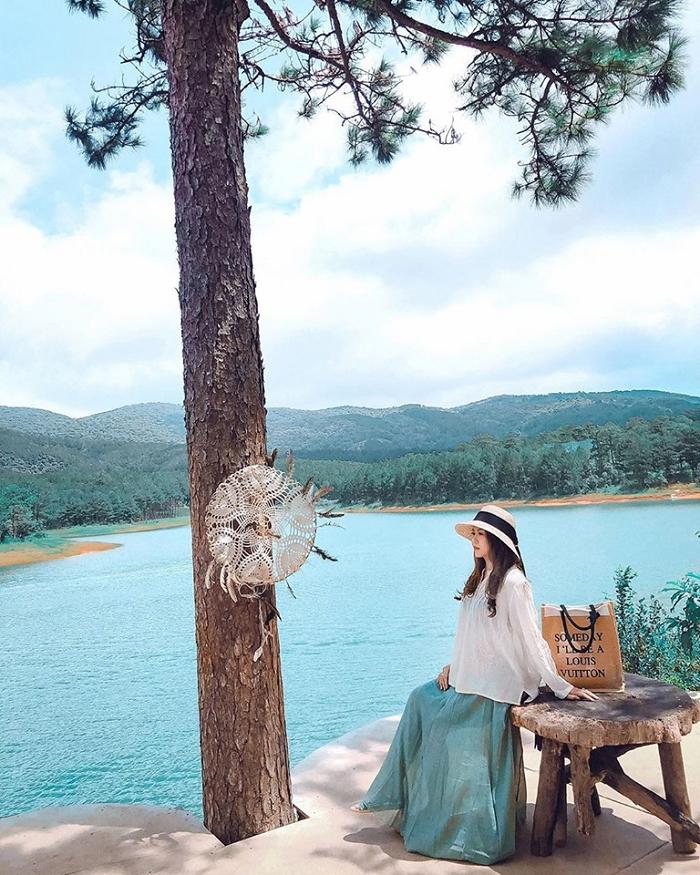 khu du lịch Đá Tiên
