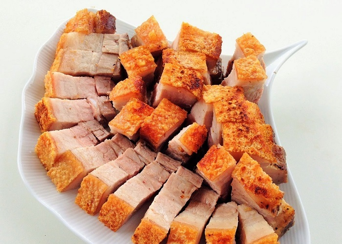 Free-range pigs are processed into many attractive dishes.Photo: yong