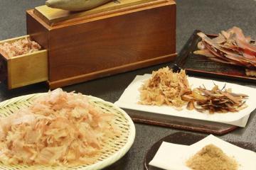 Cá ngừ bào sợi Nhật Bản - Cứng như khúc gỗ nhưng hương vị tuyệt vời