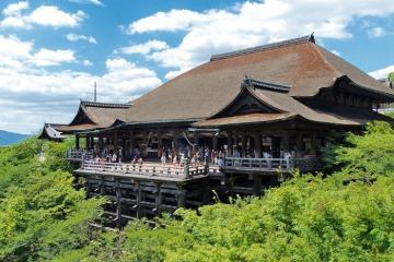 Chùa Kiyomizu-dera - ngôi chùa linh thiêng ở Nhật Bản