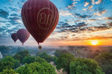 Du lịch Bagan tháng 10, bay khinh khí cầu ngắm bình minh