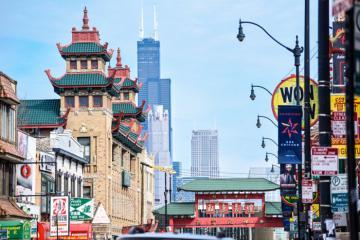 Có một phố Hoa diễm lệ giữa xứ lạ Chicago