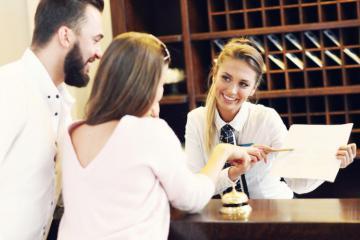 Những việc nhỏ nhân viên khách sạn mong khách biết sớm hơn