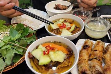 Ở Sài Gòn, đến 5 quán ăn này để thưởng thức bún chả Hà Nội chuẩn vị