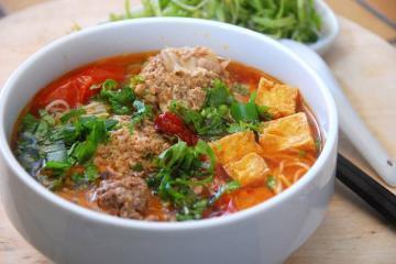 Người nước ngoài mách nhau 10 món Việt ngon xuất sắc